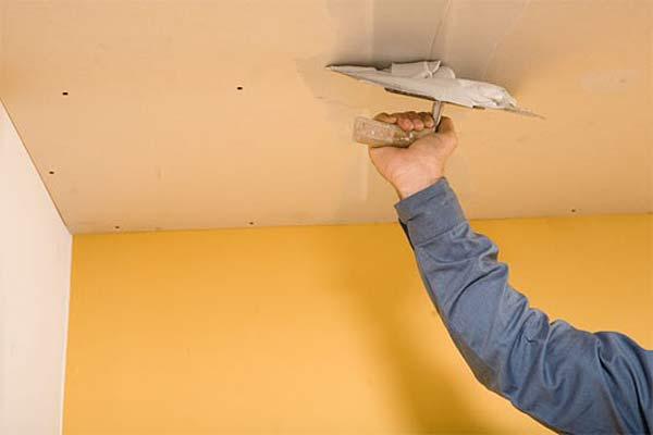 Все варианты ремонта потолка своими руками 53