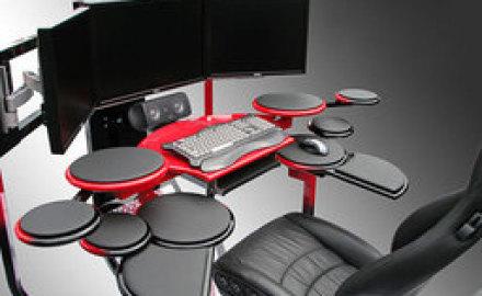 Компьютер и его стол