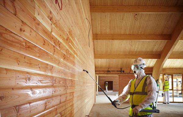 Как защитить деревянные покрытия от огня