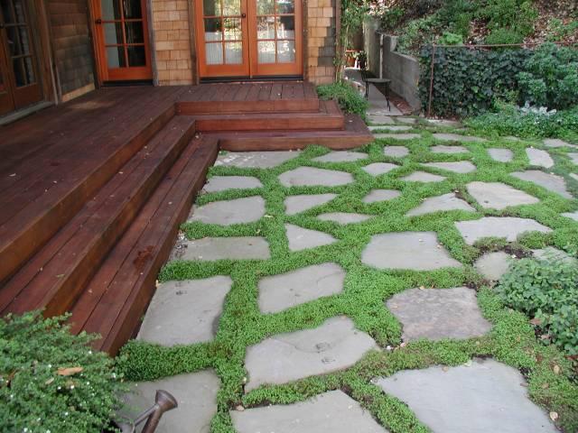 Чем вымостить двор?