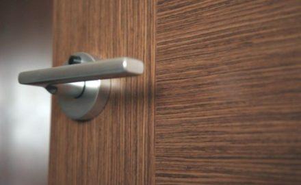 Как выбрать материал для межкомнатных дверей?