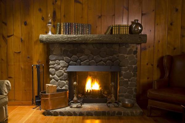 Камины для дачи помогут создать домашний уют
