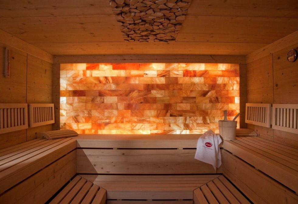 Солевой кирпич для внутренней отделки бани