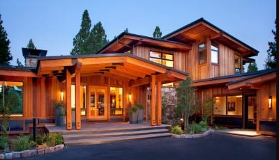 Современный дом из дерева