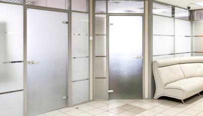 Как правильно выбрать двери для офиса?