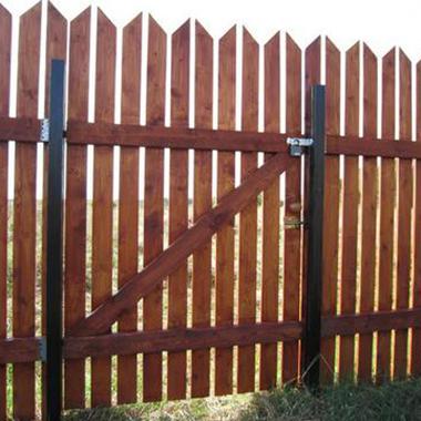 Забор своими руками из штакетника виды