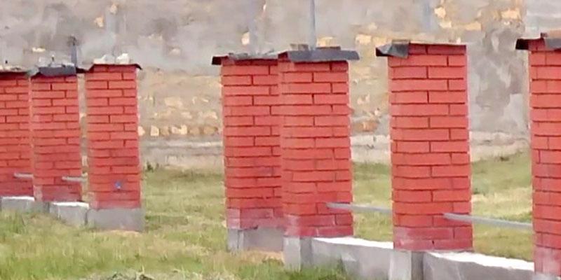 Строительство заборов из кирпича своими руками