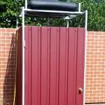 Самостоятельная постройка летнего душа на дачном участке, этапы от проектирования до облицовки